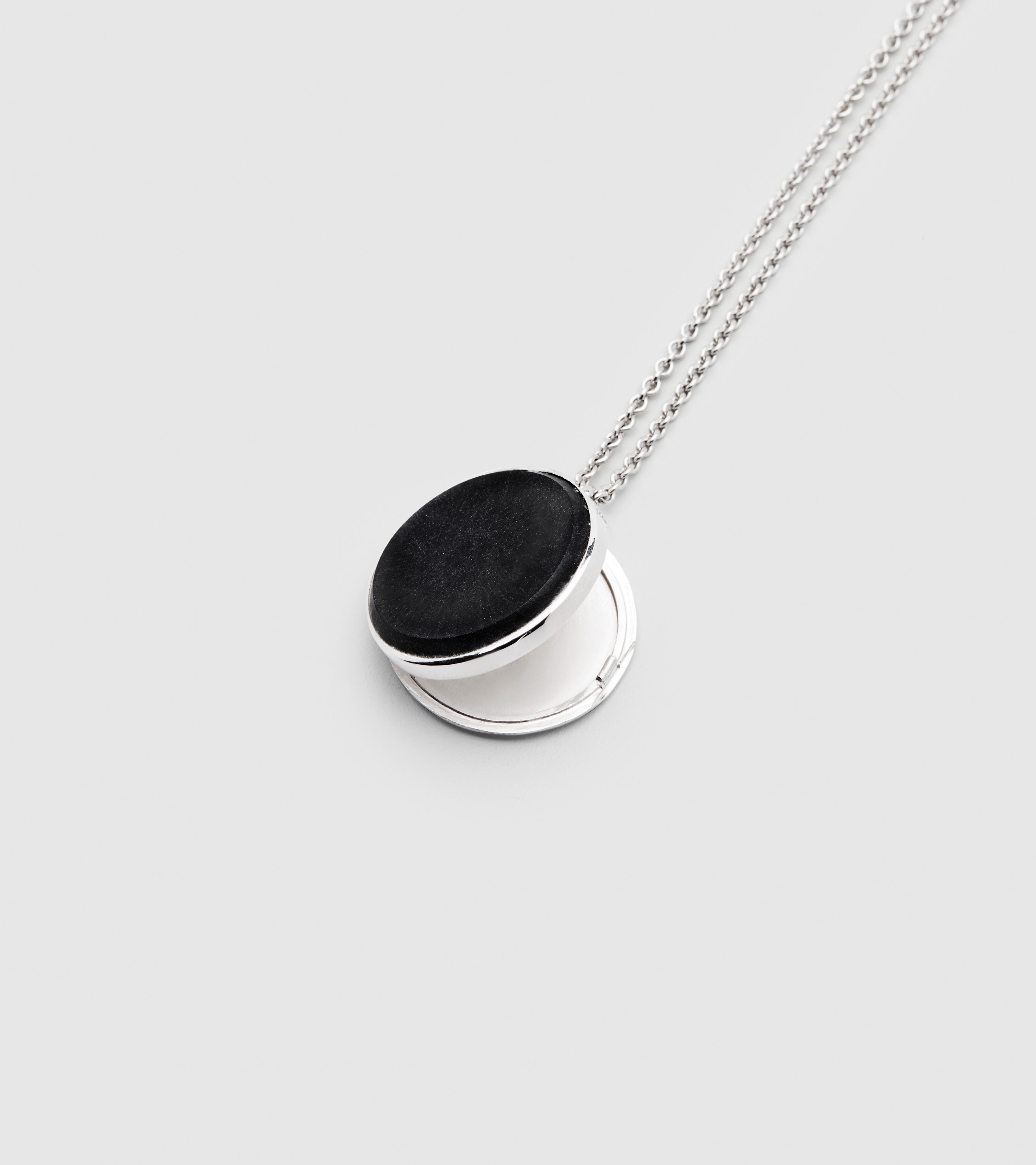 Medallion Black Onyx
