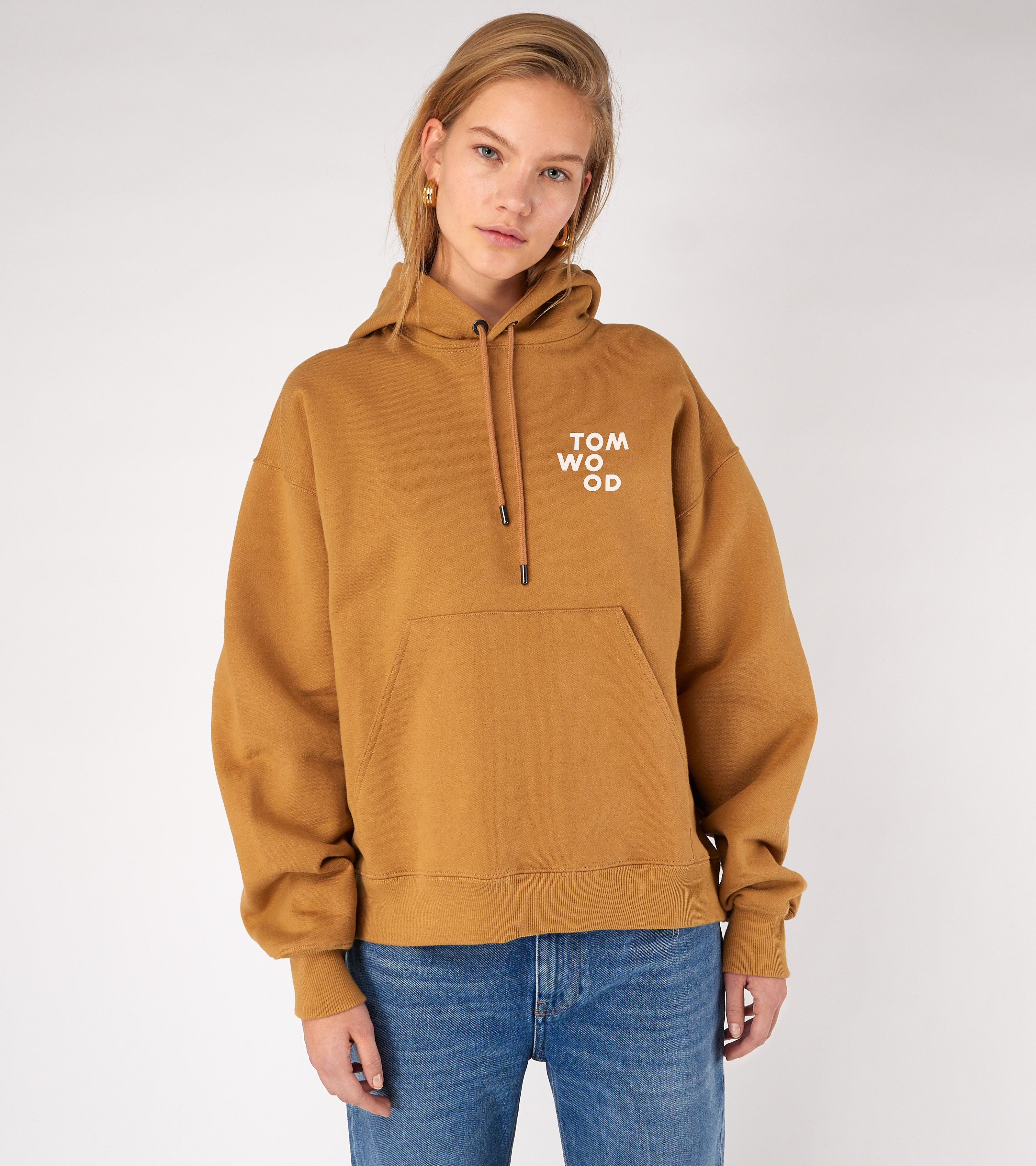 Mira Hoodie The Car Camel