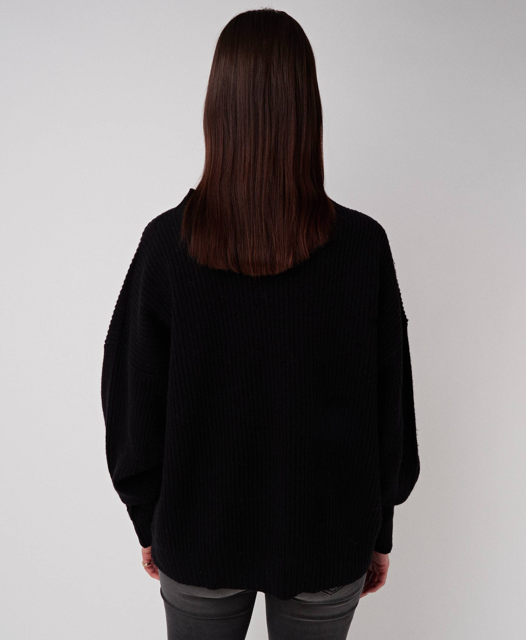 Kara Oversized Sweater Pitch Black
