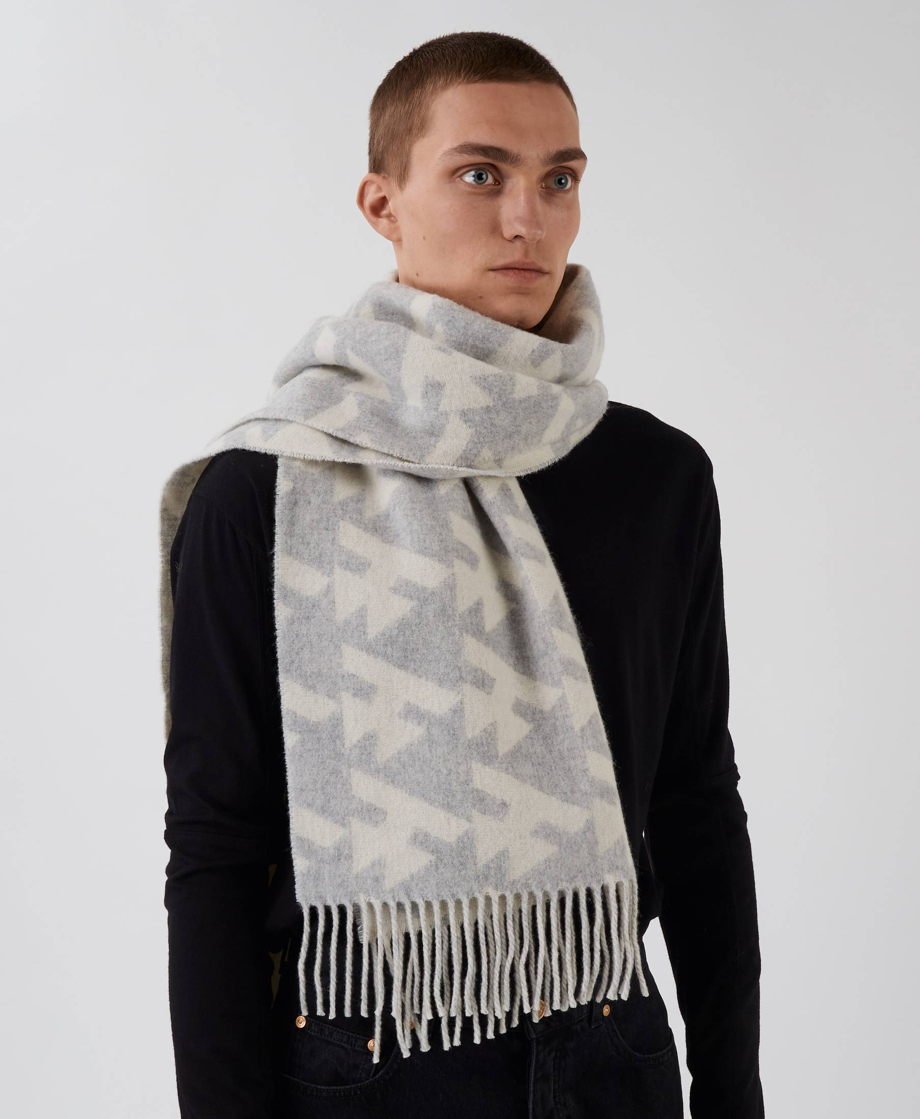 Wood Scarf Dog Tooth Grey