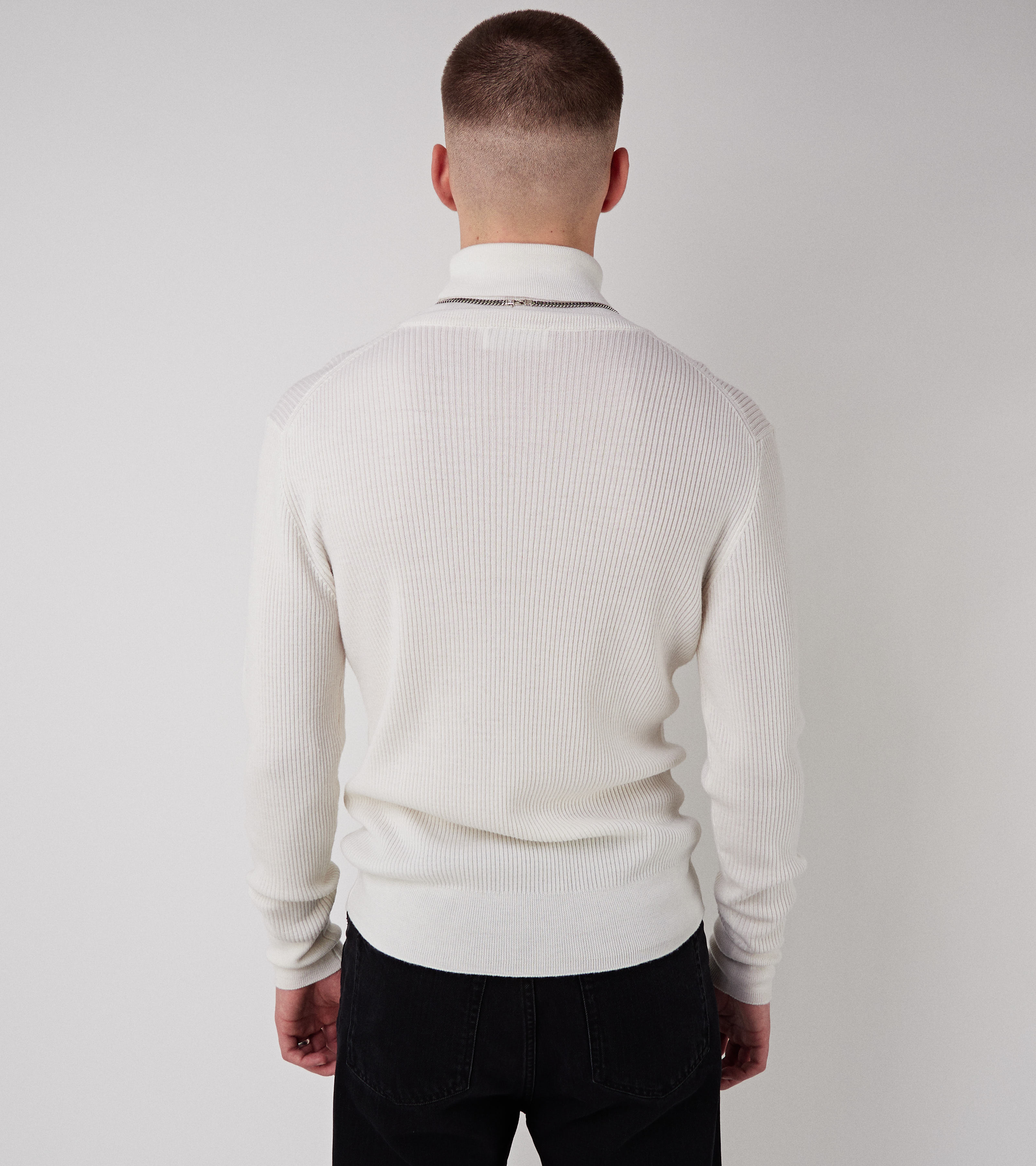 Skatti Turtle Knit Off White