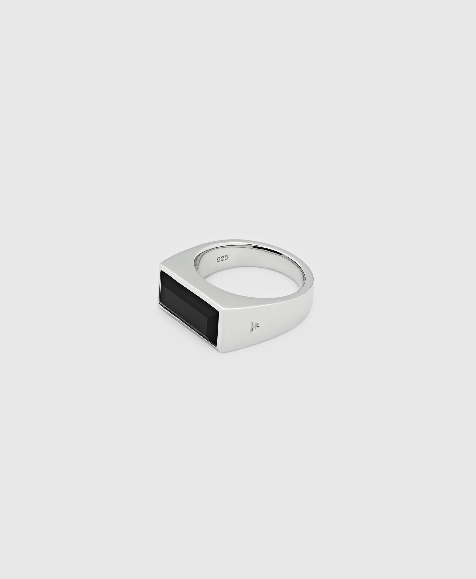 Peaky Ring Polished Onyx
