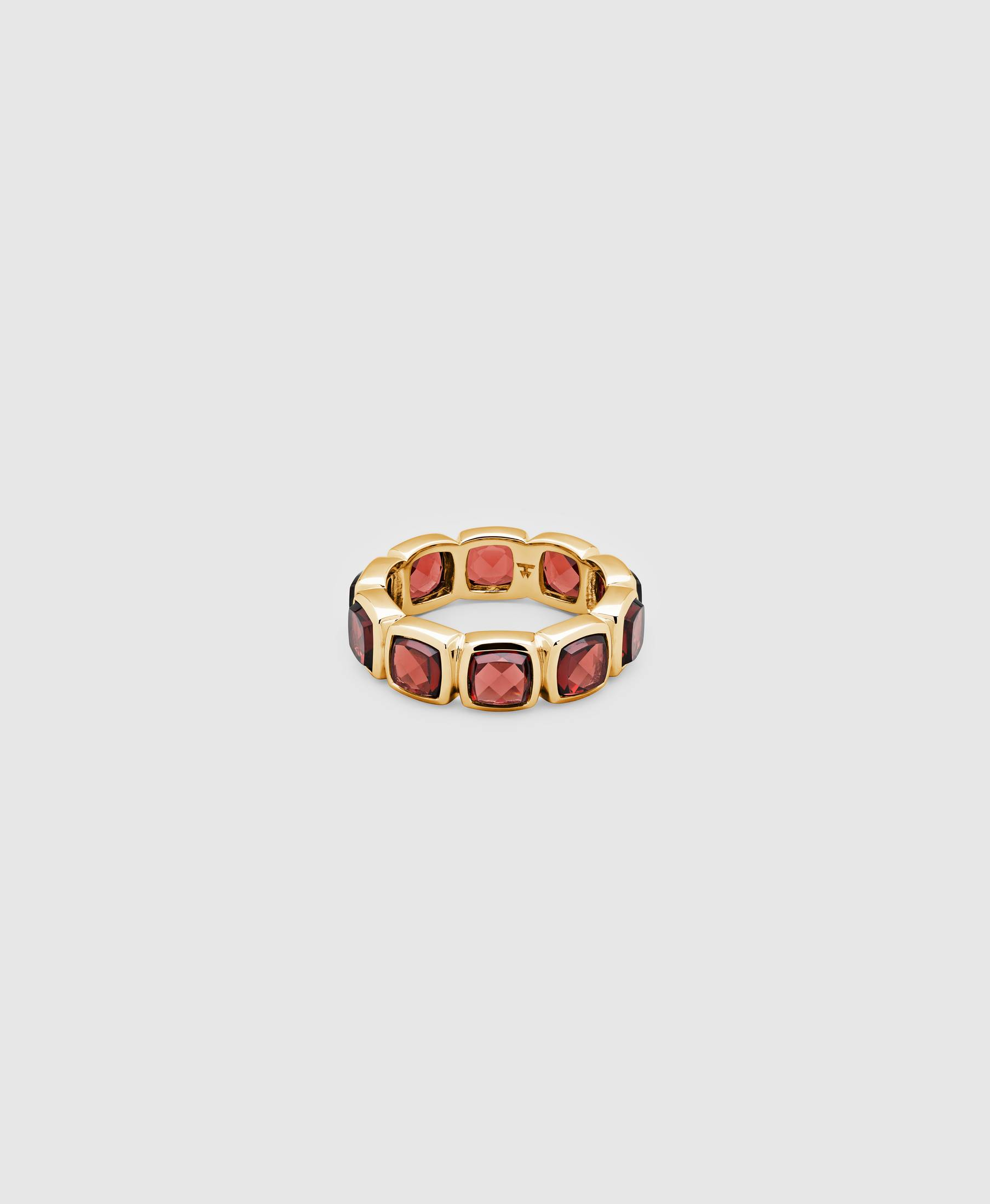 Cushion Band Garnet Gold