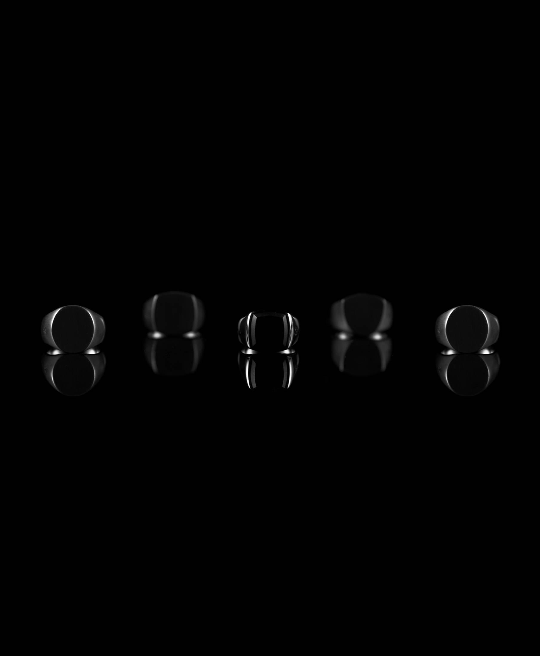 Cushion Black Onyx BLACK Edition