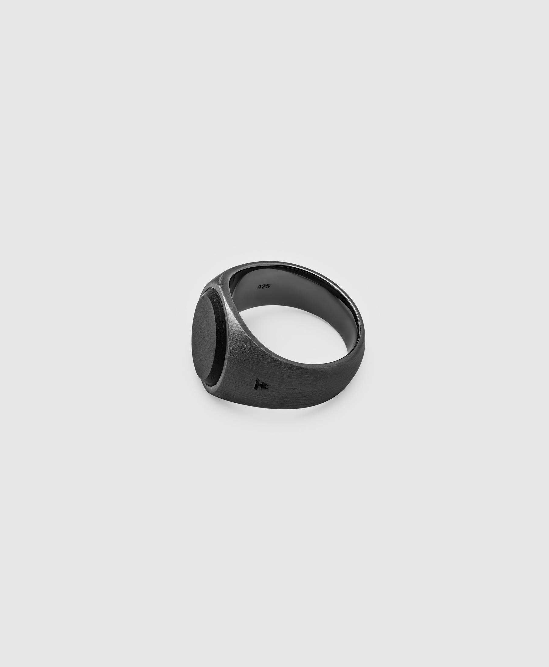 Oval Black Onyx BLACK Edition